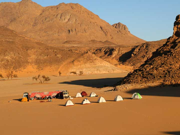Gilf Stories http://wilderness-ventures-egypt.com/galleries/western-desert-jeep-safaris/gilf-kebir-jeep-safari/